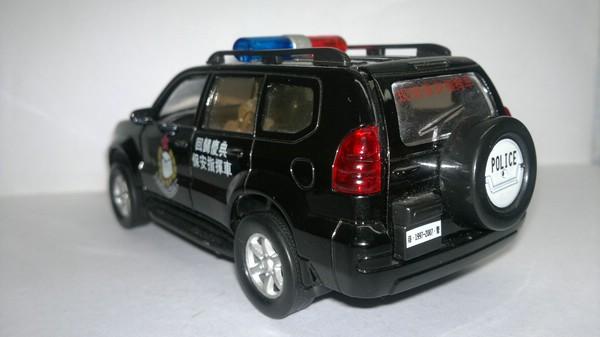 Toyota Land Cruiser Prado 120 полиция Гонконга (Неизвестный производитель) [2002г., Черный, 1:32]