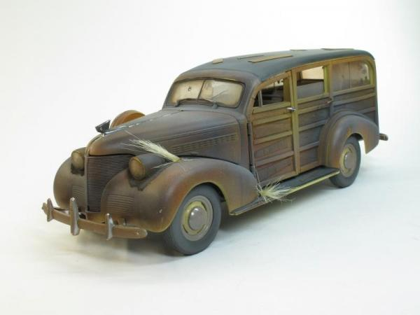 Chevy Woody Surft Wagon (Motor City Classics) [1939г., состаренный, 1:18]