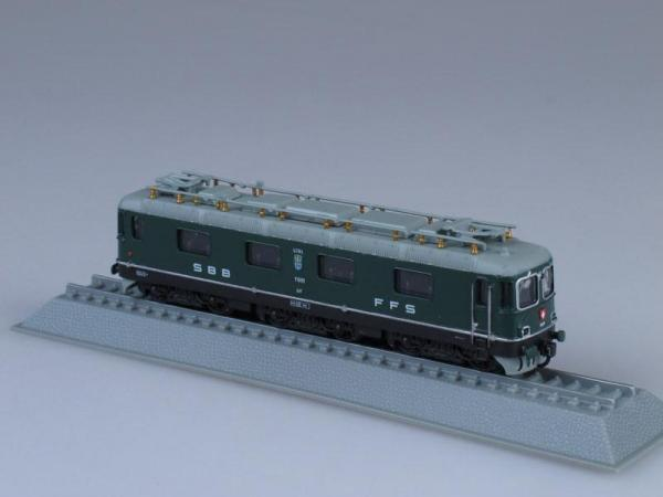 SBB Re 6/6 Electric locomotive Swizerland 1962 (Locomotive Models (1:160 scale)) [Темно-зеленый, 1:160]