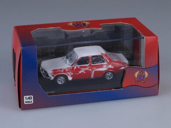 DACIA 1310 Sedan MSL покрытая снегом (IST Models) [1979г., Красный, 1:43]