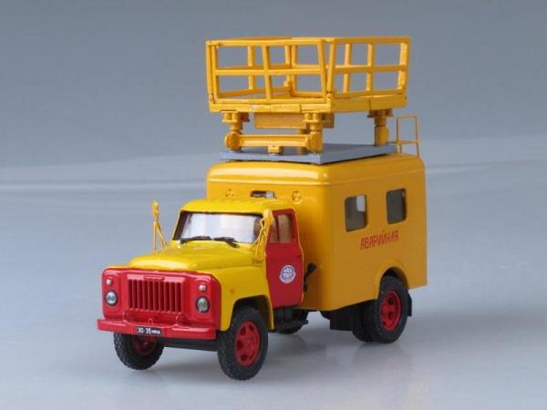 ГАЗ-52-04 (АТ-70) Ремонт контактной сети (Аварийная) (Vector-Models) [1960г., Желтый с красным, 1:43]