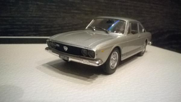 Lancia coupe 2000 (Starline models) [1971г., серебристый, 1:43]
