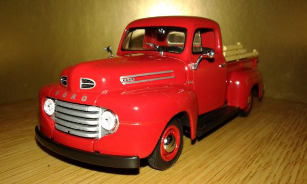 Ford F1 Pick Up (Minichamps) [1949г., красный, 1:43]