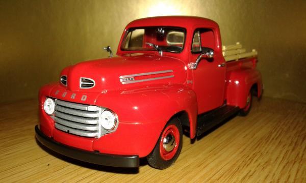 Ford F1 Pick Up (Minichamps) [1949г., красный, 1:43]