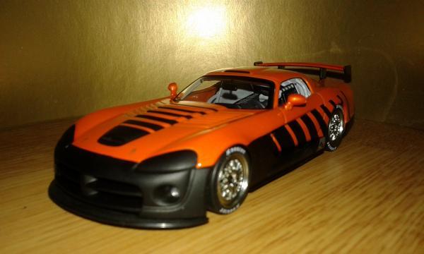 Dodge Viper Competition (Autoart) [2003г., оранжевый черный, 1:43]