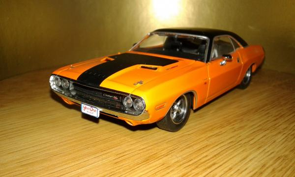 Dodge Challenger (Greenlight) [1970г., оранжевый, 1:43]