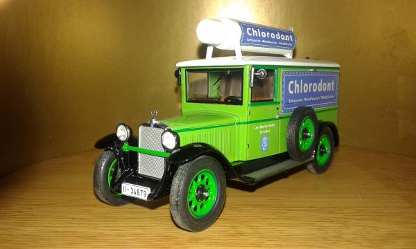 Mercedes-Benz L1000 Chlorodont (PREMIUM CLASSIXXS) [1929г., ярко зеленый, 1:43]
