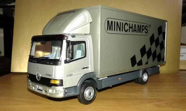 Mercedes-Benz Atego 815 Koffer (Minichamps) [1998г., серебристый, 1:43]