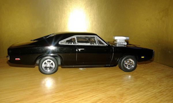 Dodge Charger R/T (Greenlight) [1970г., черный, 1:43]
