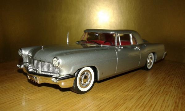 Lincoln Continental Mk II (Minichamps) [1956г., серебристый, 1:43]