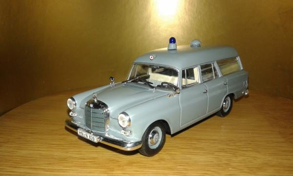 Mercedes-Benz 190 (Minichamps) [1961г., серый, 1:43]