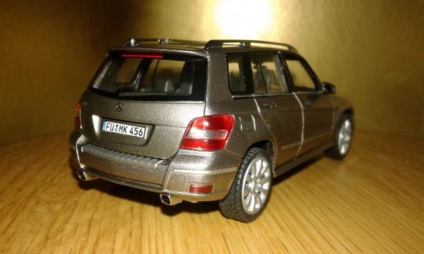 Mercedes-Benz GLK Sport (Schuco) [2008г., золотистый металлик, 1:43]