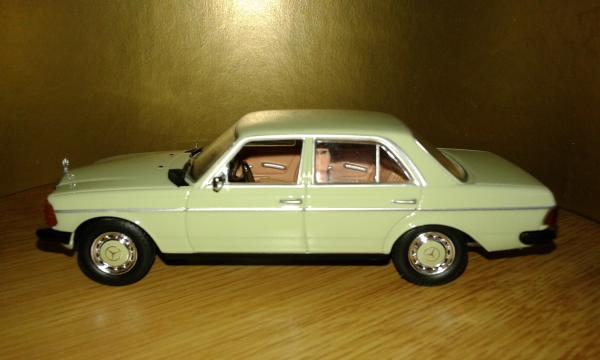 Mercedes-Benz 200D (WhiteBox) [1976г., салатовый, 1:43]