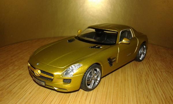 Mercedes-Benz SLS AMG (Schuco) [2009г., золотистый, 1:43]