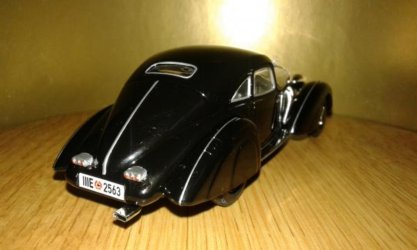 Mercedes-Benz 500K Autobahn-Kurier (WhiteBox) [1935г., черный, 1:43]