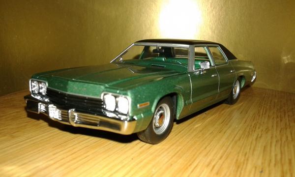 Dodge Monaco (Minichamps) [1974г., зеленый металлик, 1:43]