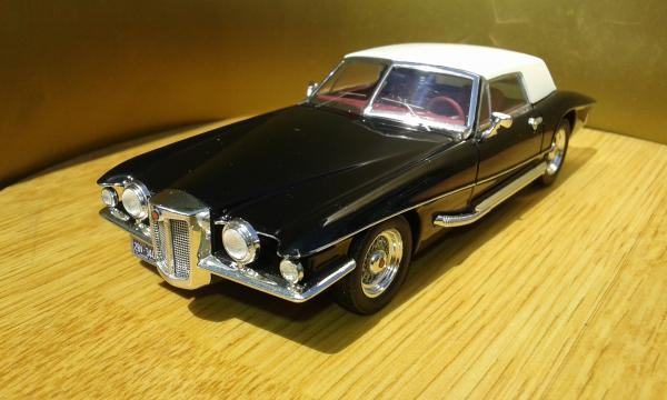 Stutz Black Hawk Convertible (Premium X) [1971г., черный белый, 1:43]