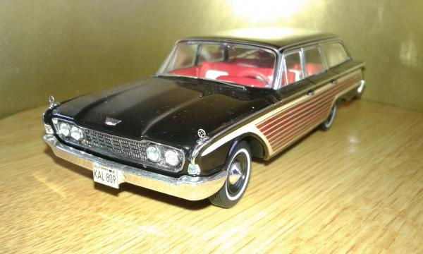 Ford Country Squire (Premium X) [1960г., черный, 1:43]
