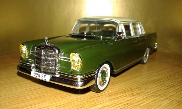 Mercedes-Benz 220SE Heckflosse (Altaya) [1959г., хаки бежевый, 1:43]