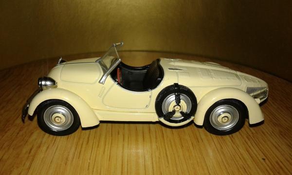 Mercedes-Benz 150 Sport Roadster (WhiteBox) [1935г., Бежевый, 1:43]