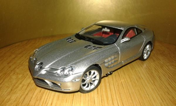Mercedes-Benz SLR McLaren (Autoart) [2003г., серебристый, 1:43]