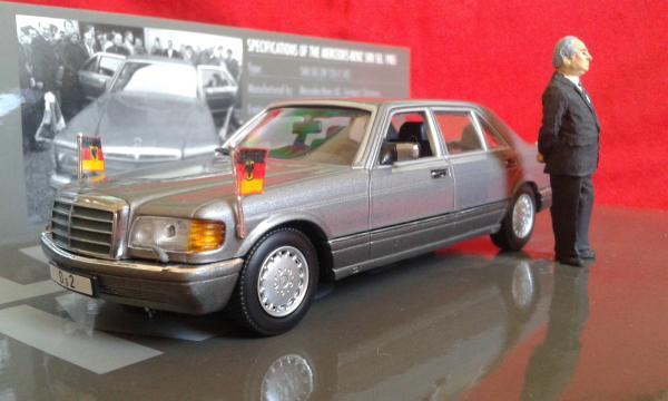 Mercedes-Benz 500SEL Helmut Kohl (Minichamps) [1985г., серый металлик, 1:43]
