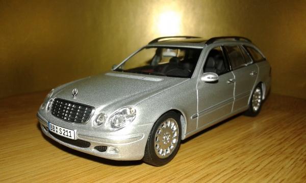 Mercedes-Benz E-Class (Minichamps) [2001г., серебристый, 1:43]