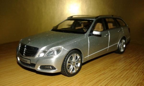 Mercedes-Benz E-Class Elegante (Schuco) [2012г., серебристый, 1:43]