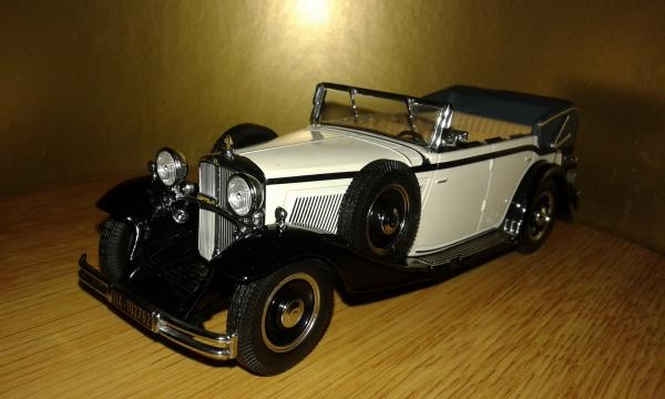 Maybach Zeppelin V12 DS8 (IXO) [1932г., слоновая аость, 1:43]