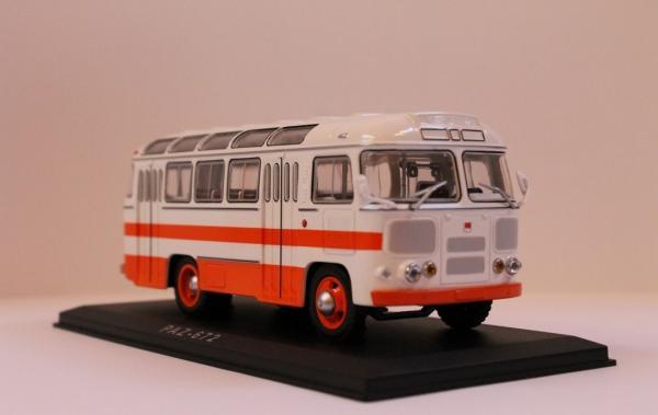 ПАЗ - 672 (Classicbus) [1968г., белый, красные полосы, 1:43]