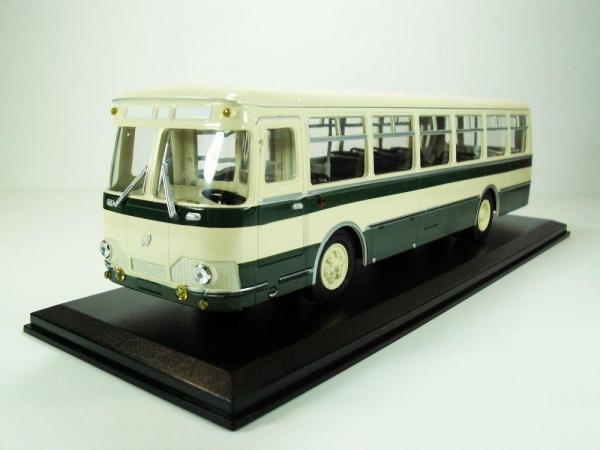 Лиаз-677 (Classicbus) [1974г., бежевый, зеленые полосы, 1:43]