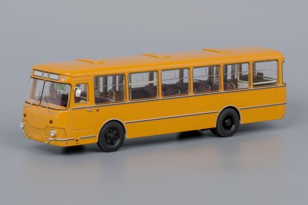 Лиаз-677М (Classicbus) [1983г., Охра, белые двери, 1:43]