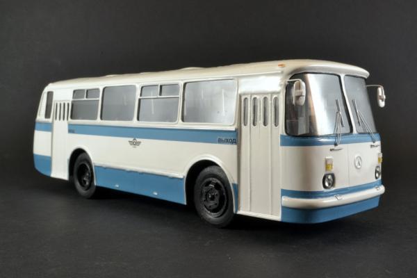 "ЛАЗ-695Н ""Львiв (Vector-Models) [1986г., белый/синий, 1:43]"