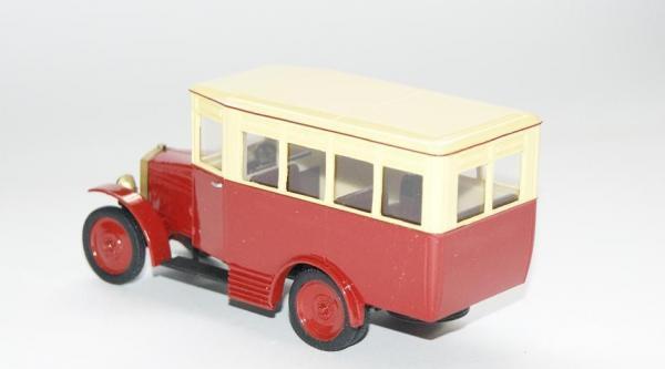 АМО-Ф-15 однодверный автобус (Vector-Models) [1926г., красный/желтый, 1:43]