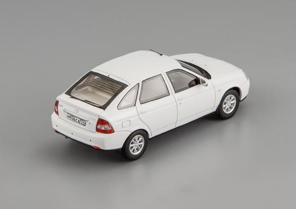 LADA PRIORA ВАЗ 2172 (DiP Models) [2010г., белый, 1:43]