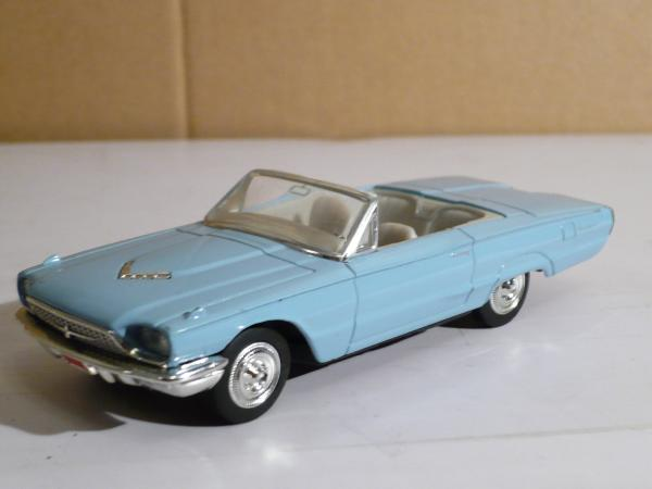 Ford Thunderbird (Road Signature) [1966г., голубой, 1:43]