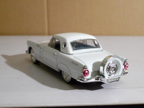 Ford Thunderbird (Motor Max) [1956г., белый, 1:43]