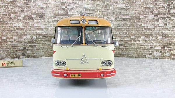 ЛАЗ-699А «Карпаты-2» (Vector-Models) [1961г., бежевый/красный/охра, 1:43]