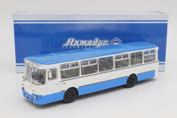 Лиаз-677М (Советский автобус) [1986г., белый/синий, 1:43]