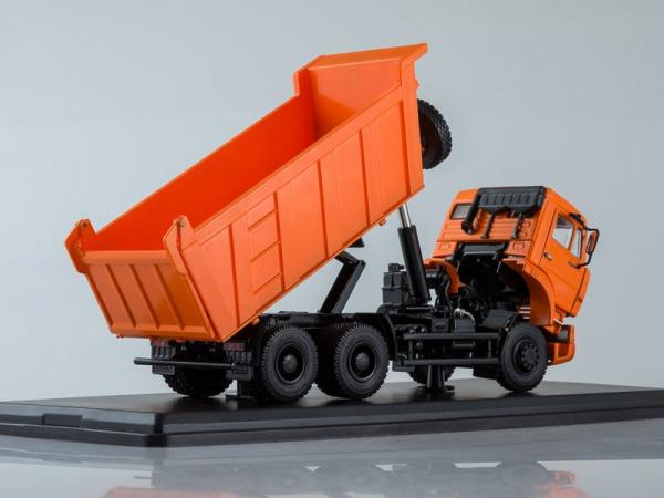 КАМАЗ-6520 6x4 самосвал (Start Scale Models (SSM)) [2004г., оранжевый, 1:43]