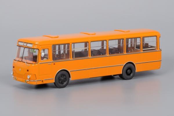Лиаз-677 (запаска сзади) (Classicbus) [1983г., оранжевый, 1:43]