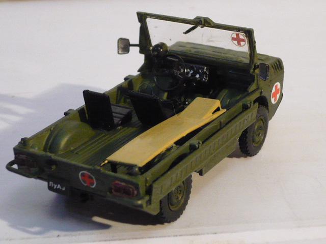 ЛУАЗ-967 санитарный транспортёр