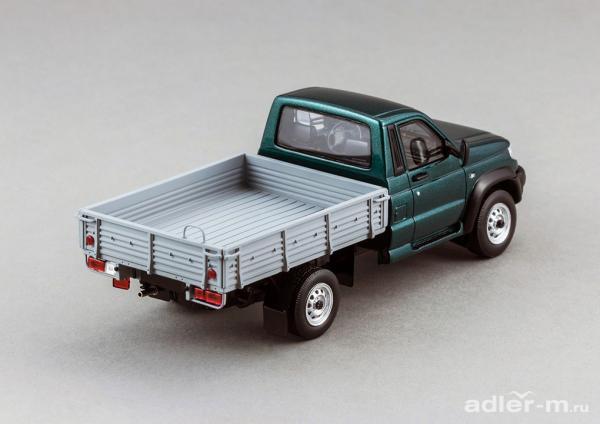 УАЗ-23602 Cargo Patriot (DiP Models) [2008г., зеленый, 1:43]