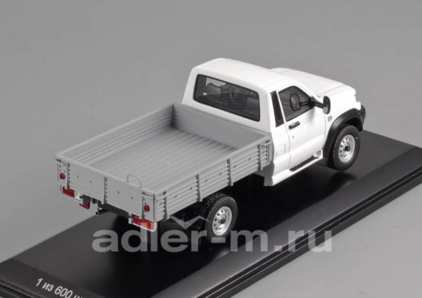 УАЗ-23602 Cargo Patriot (DiP Models) [2008г., белый, 1:43]