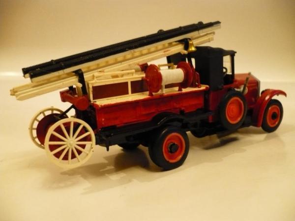 АМО-Ф15 пожарная машина (Michalych) [1926г., красный, 1:43]