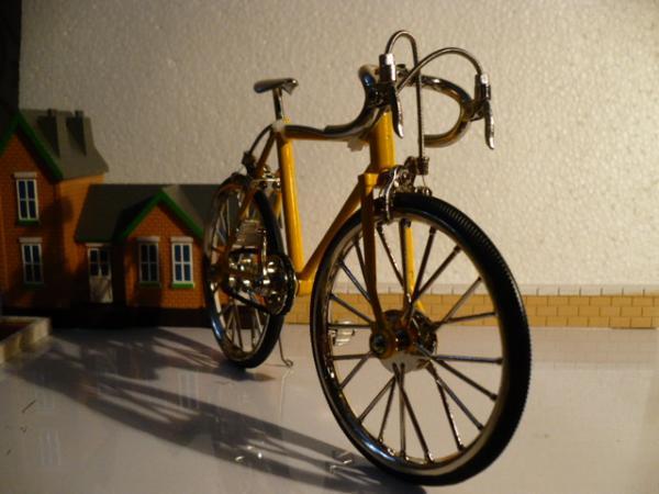 велосипед спортивный Racing bike (Racing bike) [желтый, 1:10]