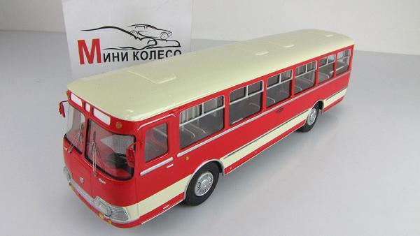 Лиаз-677 экспортный (Vector-Models) [1972г., белый/красный, 1:43]