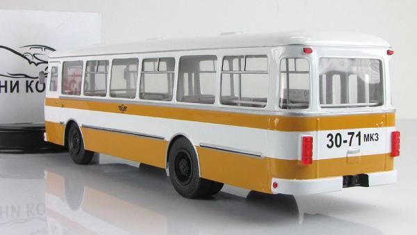 Лиаз-677М (Vector-Models) [1990г., желтый/белый, 1:43]