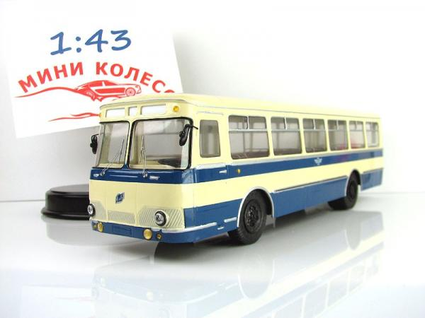 Лиаз-677 (Vector-Models) [1970г., белый/синий, 1:43]