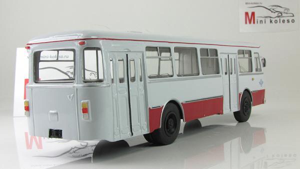 Лиаз-ЯАЗ 677М учебный (Vector-Models) [1986г., красный/белый, 1:43]